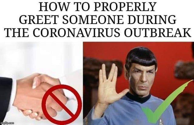 How to greet someone during the coronavirus outbreak - Funny pictures, memes - funvizeo.com - coronavirus,handshake,memes,funny