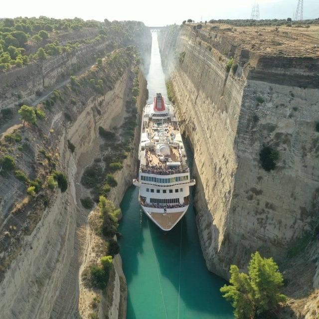 Greece's Corinth Canal: Big cruise ship passing through canal - Funny pictures, memes - funvizeo.com - cruise,ship,canal,awesome,sea