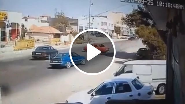 Lucky driver - Funny Videos - funvizeo.com - lucky, accident, car, driver