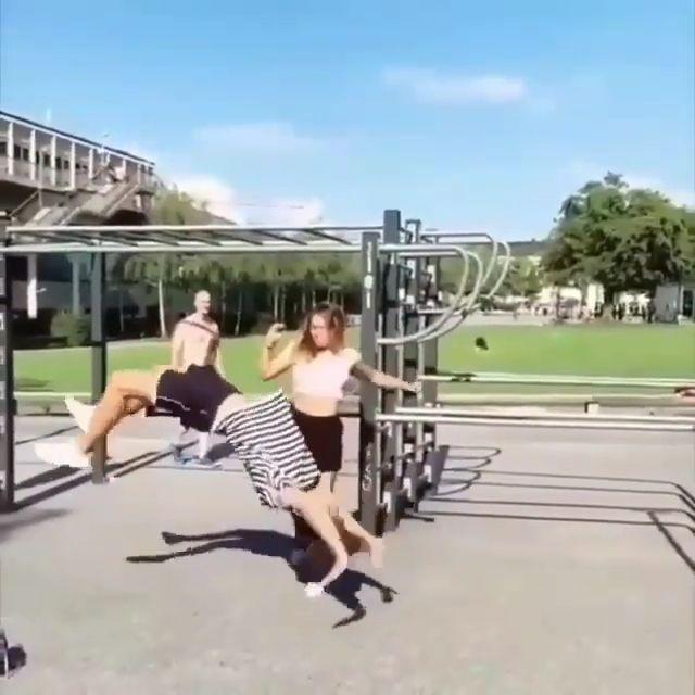 High Kick!