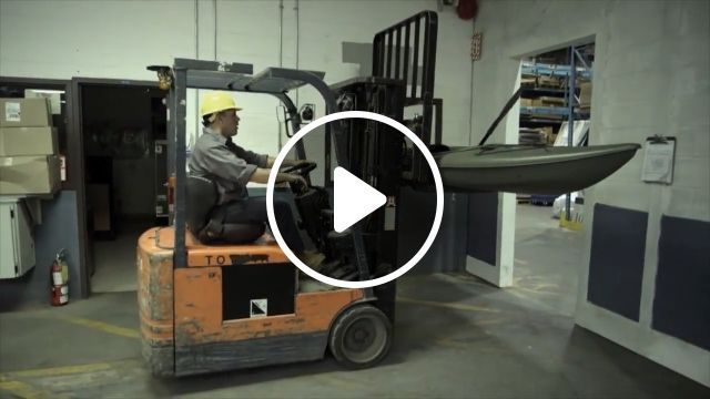 Funny Videos - Great idea in a Kayak factory, LOL - Funny Videos - funvizeo.com - funny videos, humor, Forklift, Kayak, factory