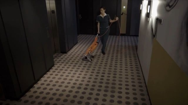 Funny Videos - Super powerful vacuum cleaner