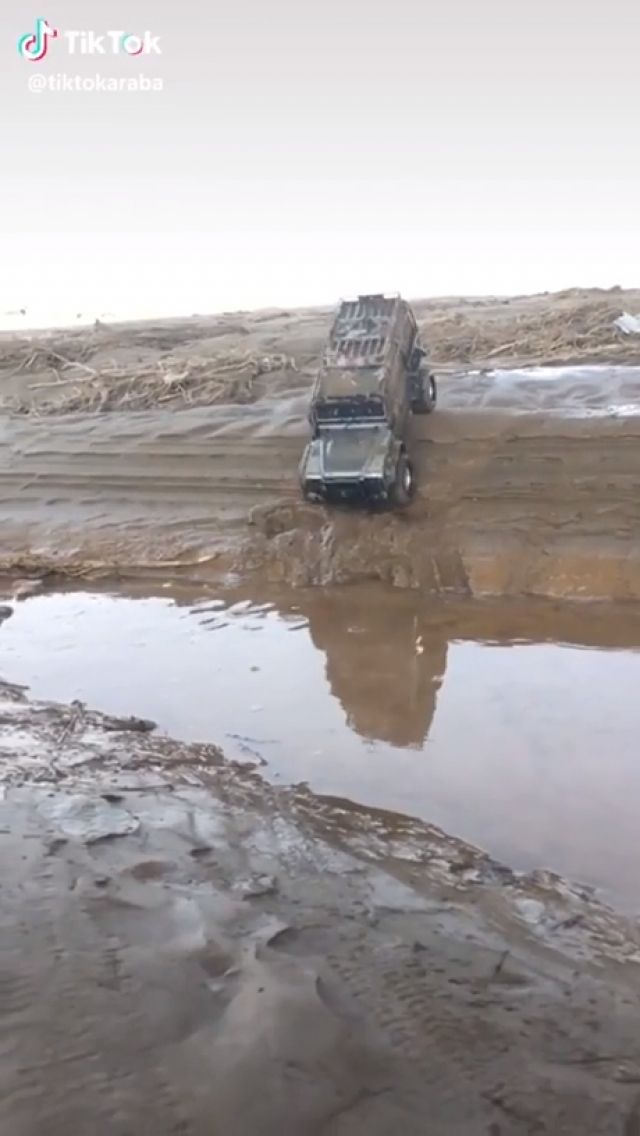Awesome Off Road Jeep, Wait for it... - Funny Videos - funvizeo.com - funny,off-roading,toy,car,truck