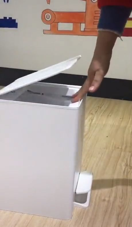 Townew T1 Smart Trash Can - Funny Videos - funvizeo.com - xiaomi,smart trash can,funny