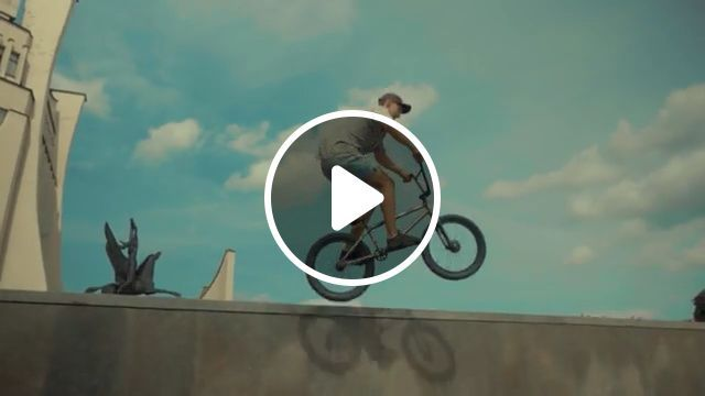 Bike ParKour FaiL - Funny Videos - funvizeo.com - parkour,humor,bike,wall