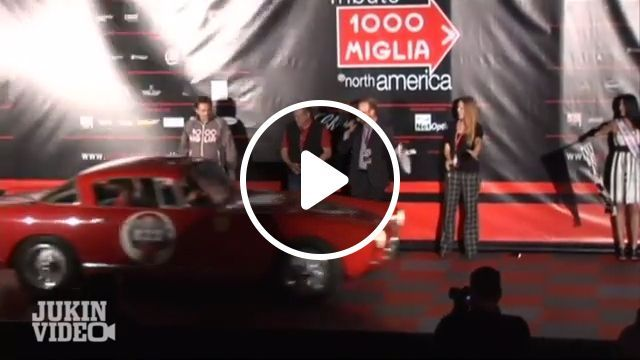 Ferrari Brakes On Carpet - Funny Videos - funvizeo.com - reddit,funny,ferrari_brakes_on_carpet