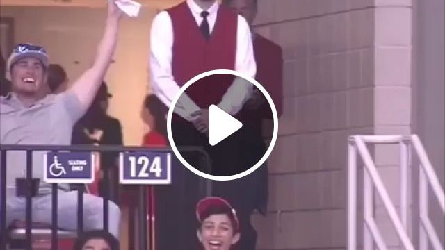 He Waited His Enitre Life For This Moment - Funny Videos - funvizeo.com - reddit,funny,he_waited_his_enitre_life_for_this_moment