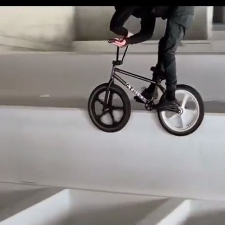 Funny Videos - Funny Videos - funvizeo.com - road bicycle,funny,prank