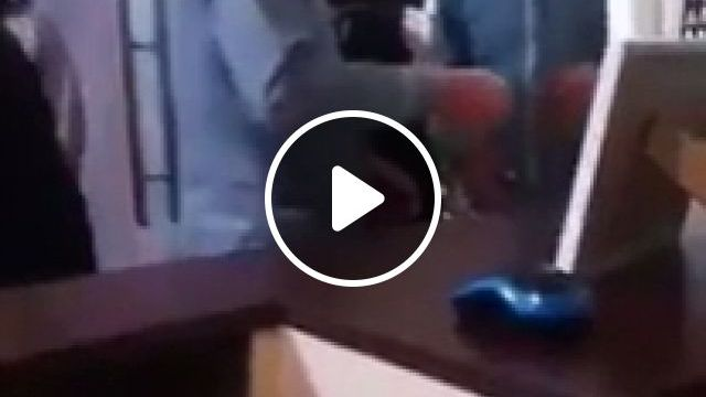 Two Drunk Gentlemen Try To Pass Each Other - Funny Videos - funvizeo.com - reddit,funny,two_drunk_gentlemen_try_to_pass_each_other