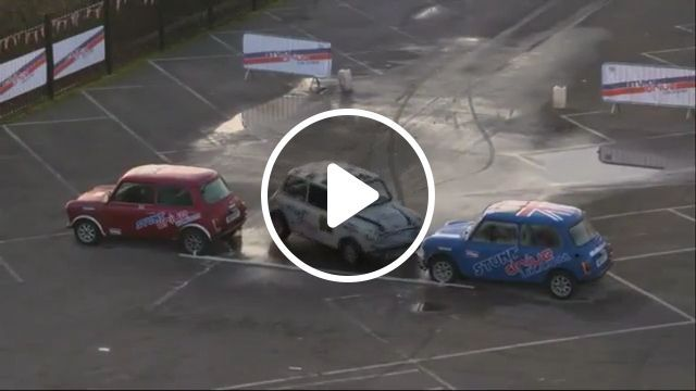 Amazing - Parallel parking - Funny Videos - funvizeo.com - parallel parking, Car, humor, talent, driving skills