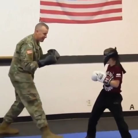 Soldiers coming home Try Not To Cry - Funny Videos - funvizeo.com - funny,soldiers,dad,son