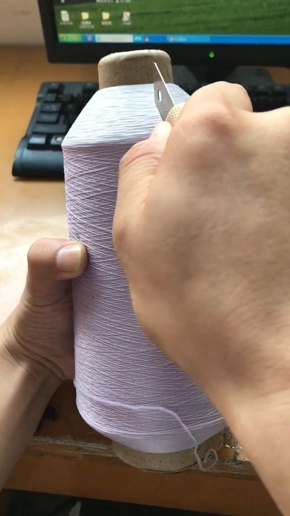 What happens when cutting a sewing thread? - Funny Videos - funvizeo.com - sewing thread,paper knives,funny