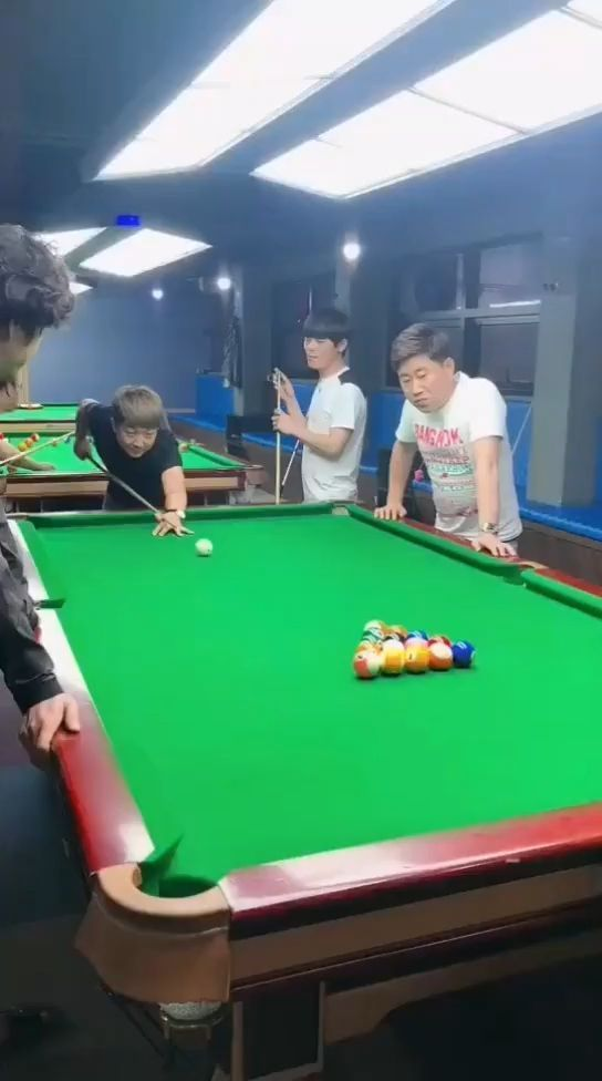 The best billiard player in the world, LOL