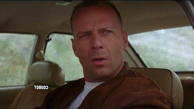 Bruce Willis in Russia memes - Video & GIFs   россия memes,pedestrians memes,буч memes,pulp fiction memes,пешеходы memes,кувырок memes,кувыркается memes,дорога memes,бутч memes,криминальное чтиво memes,bruce willis memes,russia memes,брюс уиллис memes