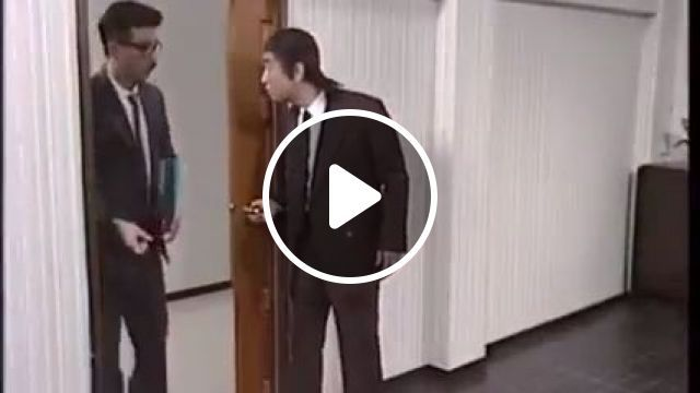 Office Door Prank - Funny Videos - funvizeo.com - japanese,door prank,humor,office pranks
