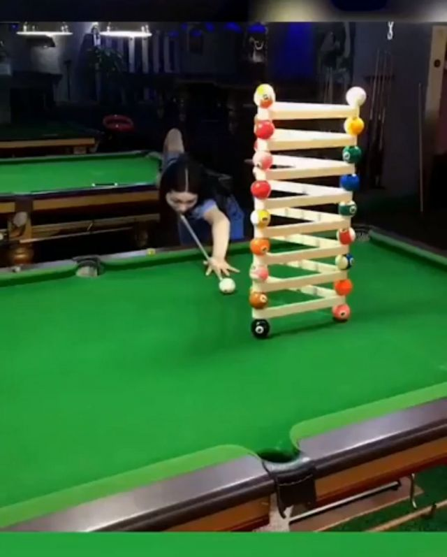 Best Snooker Trick Shots Ever - Video & GIFs | funny,pool trick shots,snooker trick shots