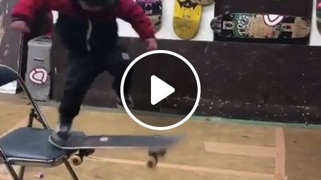 Future Asian Tony Hawk - Funny Videos - funvizeo.com - humor,skateboard,kid