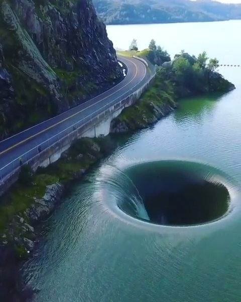 Giant Whirlpool - Funny Videos - funvizeo.com - beautiful places,beautiful nature,lake berryessa