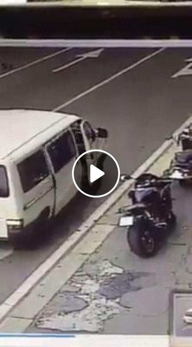 Super Thief, motorcycles, funny, thief, car, super