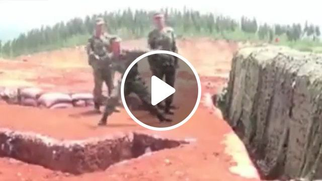 Fire in the hole, haha - Funny Videos - funvizeo.com - soldier, army, clumsy, humor