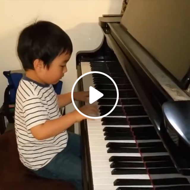 Small Age But Great Talent! - Video & GIFs | kid, piano, talent, music