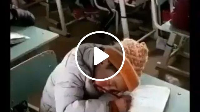 Cute way to wake up your friend sleeping in class