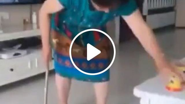 Mom, don't be angry with me, haha - Funny Videos - funvizeo.com - prank,humor,mom