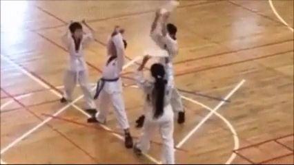 Great Teammate, haha - Funny Videos - funvizeo.com - taekwondo,martial arts,performances,funny