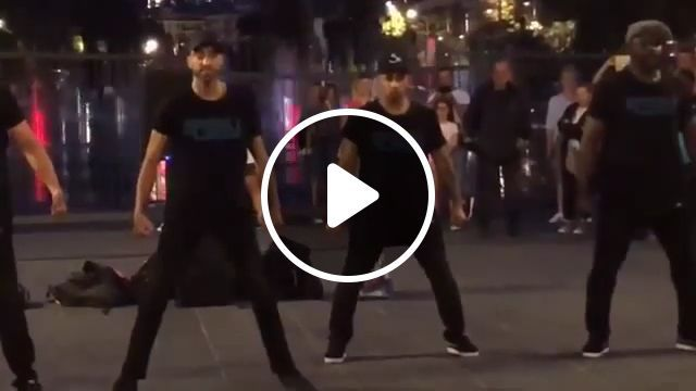 Funny Guy - Funny Videos - funvizeo.com - dancing,surprise,humor,perform, square