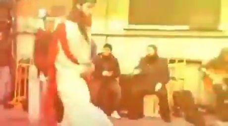 Anime Girl Dancing Ifunny Instagram Meme Video Full Version Youtube