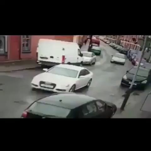How many passengers are legally allowed in a car LOL - Funny Videos - funvizeo.com - car,accident,funny