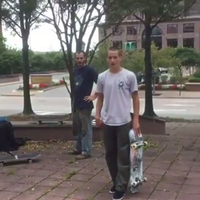 He doesn't think he can do that either - Funny Videos - funvizeo.com - lucky, funny gifs, funny, water bottles, skateboard