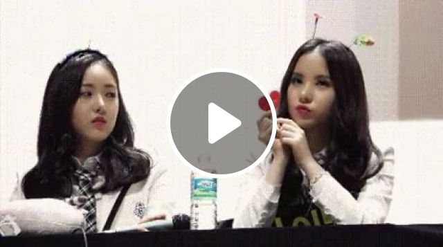 What is she thinking, funny gifs, funny, kpop, smile