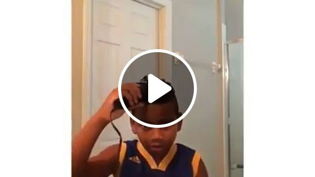 Hair cutting is not difficult, lol - Funny Videos - funvizeo.com - Hair Clipper, hair stylist, hair, kid, humor, hair cutting